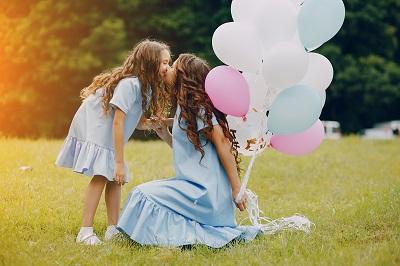 Palloncini compleanno | Non si festeggia il compleanno senza palloncini. Il compleanno è il giorno più speciale dell'anno sia per i grandi sia per i più piccini e va festeggiato nel migliore dei modi. La torta è una delle protagoniste principali della festa ma anche i palloncini compleanno fanno la loro parte.